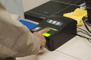 Отпечатки пальцев на паспорт