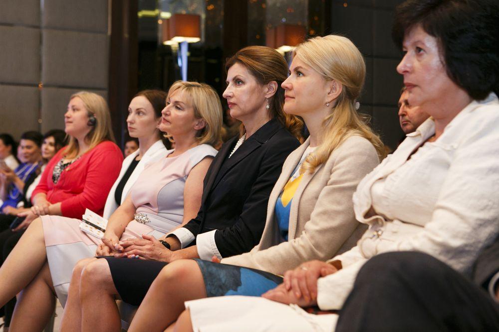 Дам пизды, порву рубаху или съезд феминисток в Харькове