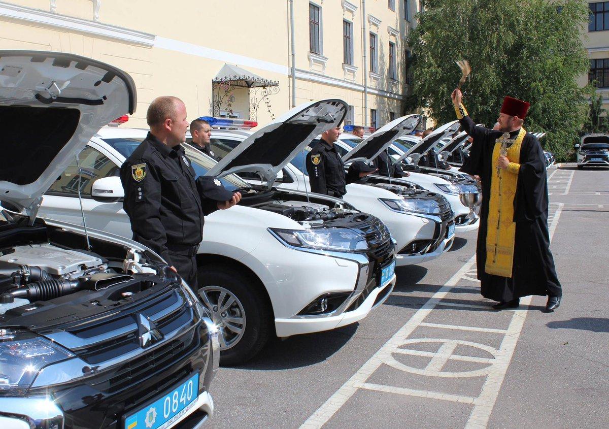 В Кировограде полиции выдали охуенные тачки: улыбаемся и машем!
